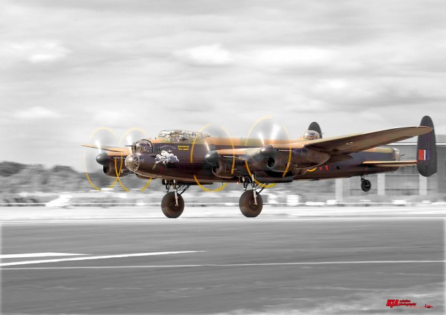 Avro Lancaster - Taking off